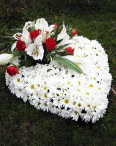 funeral_flowers_heart