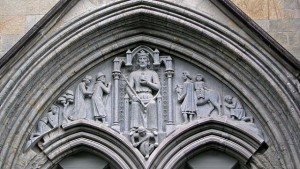Relieff av Heilag Olav på Ndarosdomen.