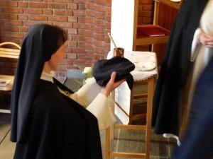 Sr Ingeborg-Maries løfter 6. Foto: Helge-Erik Solberg